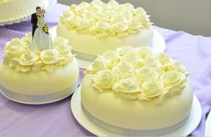 cake_三层原色结婚蛋糕